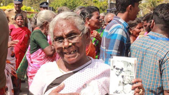 ஜெயலலிதா நினைவு தினம்: பெரும்திரளாக மக்கள் அஞ்சலி