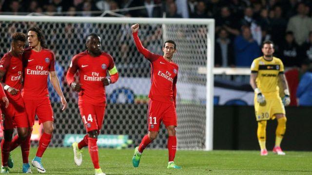 Le PSG s'impose 2-0 face à Angers.