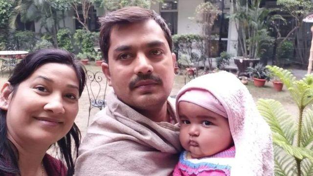 ரவி சேகர், மனைவி ஏக்தா மற்றும் அவர்களது 14 மாதக்குழந்தை
