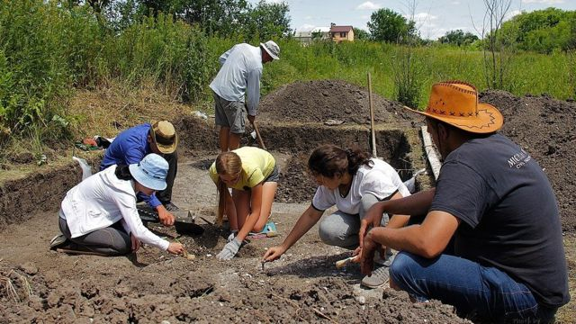 В Старобільску археологічна експедиція Інституту археології НАНУ досліджує ранньонеолітичне поселення.
