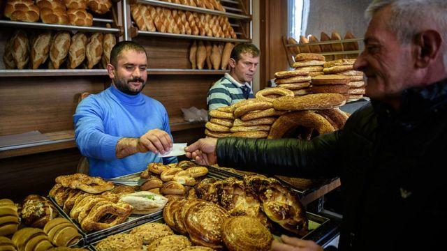 Ekmek alan vatandaş