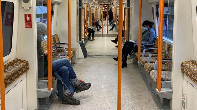 مترو لندن در اولین روز تعطیلی