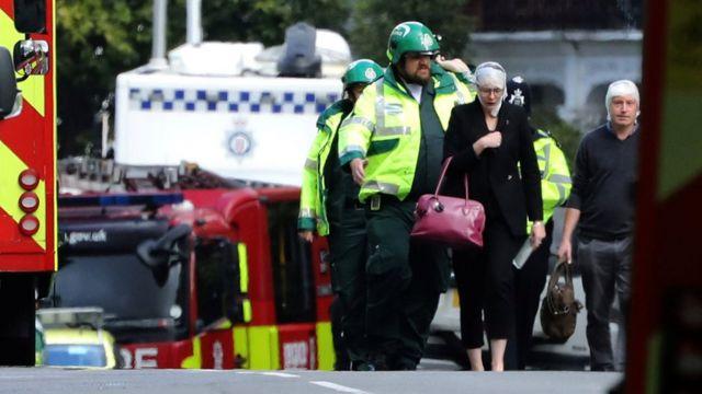 До кінця не ясно, скільки саме людей зазнали травм внаслідок вибуху, а скільки - внаслідок тисняви, що сталася після нього