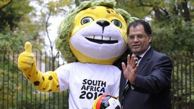 Danny Jordaan and 2010 FIFA World Cup mascot