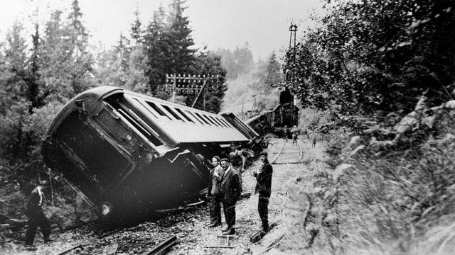 1942年,法国抵抗力量成功地使一列火车脱轨