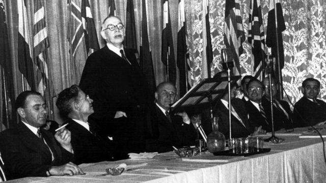 La conferencia de Bretton Woods.