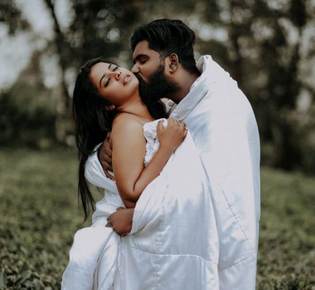 Lekshmi and Hrushi Karthik at their wedding photoshoot