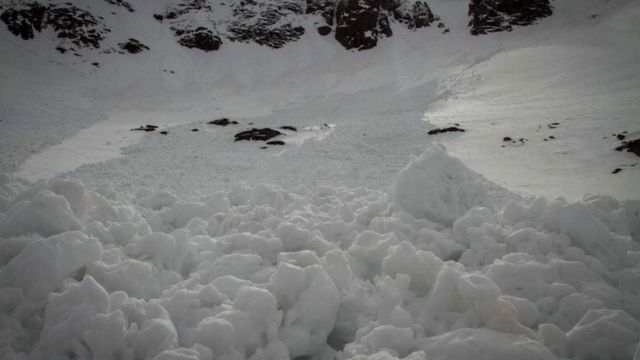 'Lucky escapes' in avalanches in Scotland's mountains