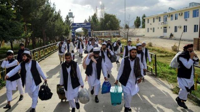حکومت افغانستان میگوید در سه روز عید بیشتر از ۳۰۰ زندانی طالب را رها کرده