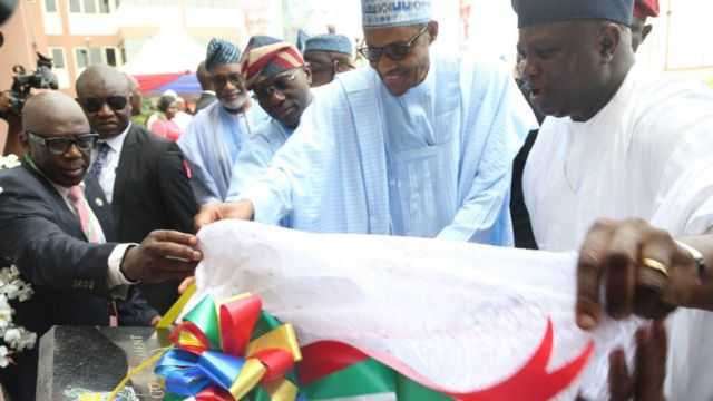 President Muhammadu Buhari and Lagos State govnor dey commission project
