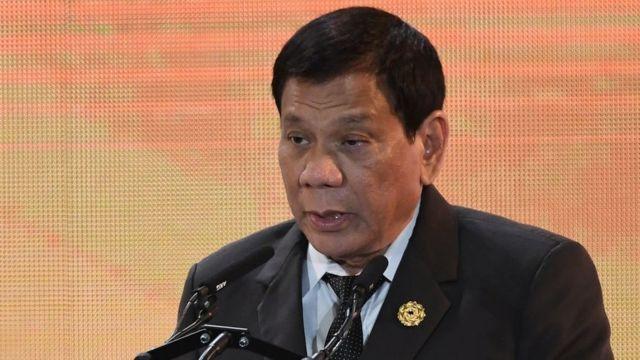 Rodrigo Duterte este jueves 9 de noviembre ofreciendo un discurso en Da Nang, Vietnam.
