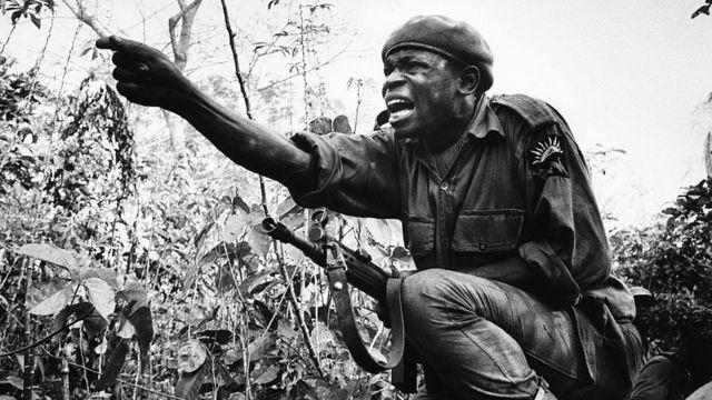 солдат нигерийской армии