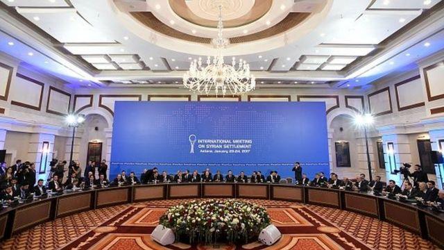 Les rebelles avaient auparavant refusé à la dernière minute de négocier en face à face avec le régime.