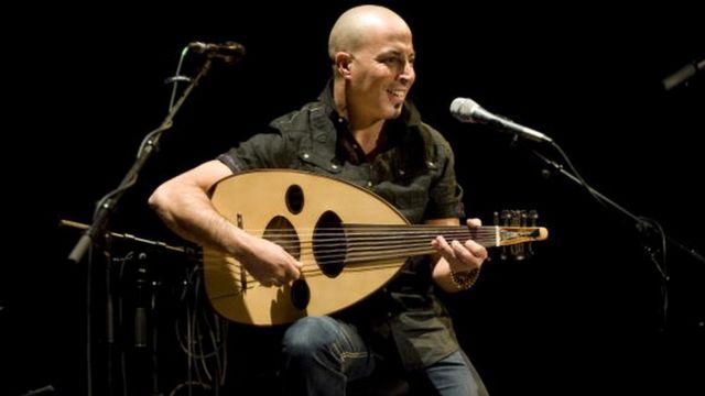 Dhafer Youssef, sur scène, au festival de jazz de Londres