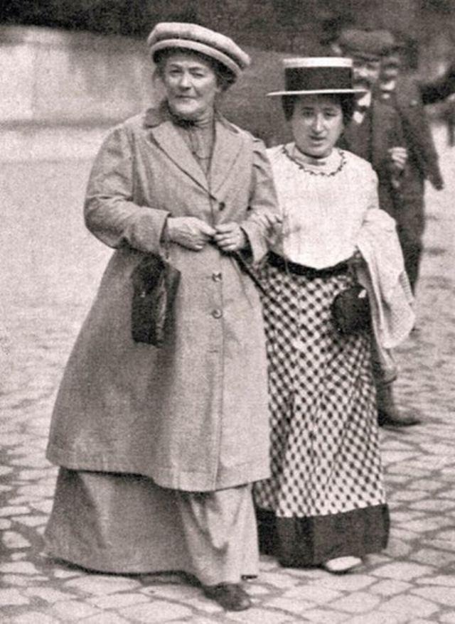 Clara Zetkin y Rosa de Luxemburgo.