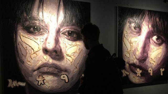 تابلوی 'به چپ چپ' اثر بابک روشنینژاد