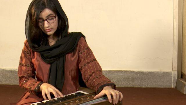 عائشة خان