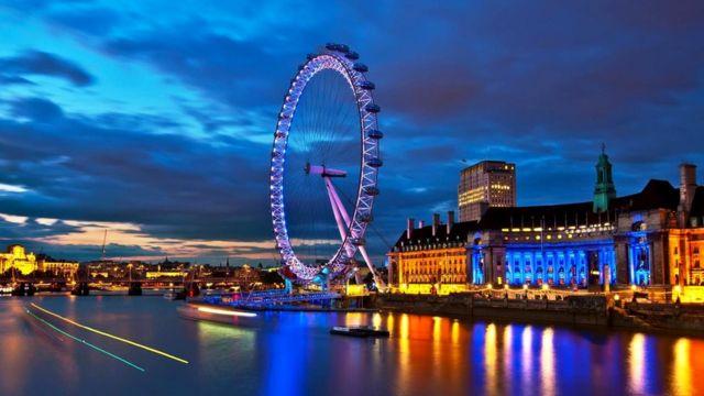 Вес буровой платформы может в 50 раз превышать вес лондонского колеса обозрения London Eye