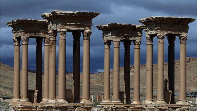 Məlumata görə Palmirada Tetrapilon abidəsi məhv edilib