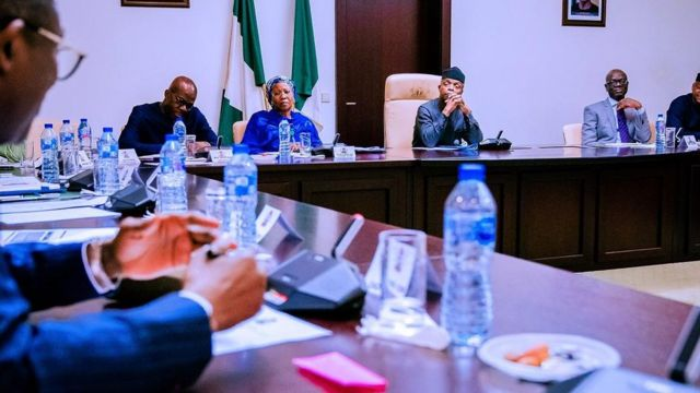 Prof Yemi Osinbajo and oda goment officials sidon for meeting