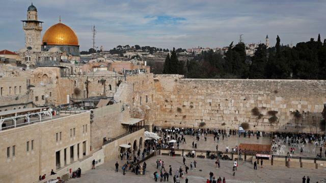Dinding Barat dan al-Haram al-Sharif/Temple Mount di Kota Tua Yerusalem 5 Desember 2017