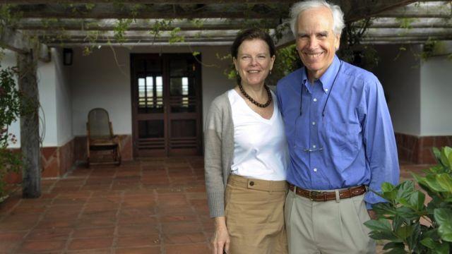 더글러스 톰킨스와 그의 부인 크리스틴은 모두 열혈 환경보호론자였다