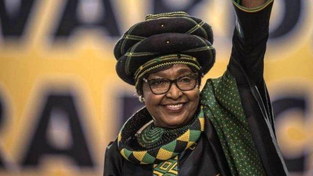 Surnommée la mère de la nation, Winnie Mandela, 81 ans, est considérée comme une héroïne de la lutte contre l'apartheid.