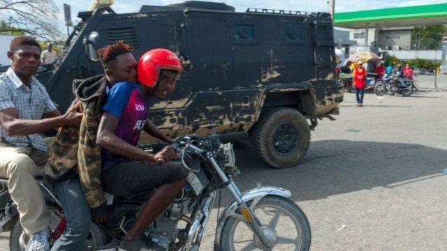 Governo colocou blindados na rua contra manifestantes