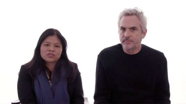 El director mexicano Alfonso Cuarón junto a Marcelina Bautista