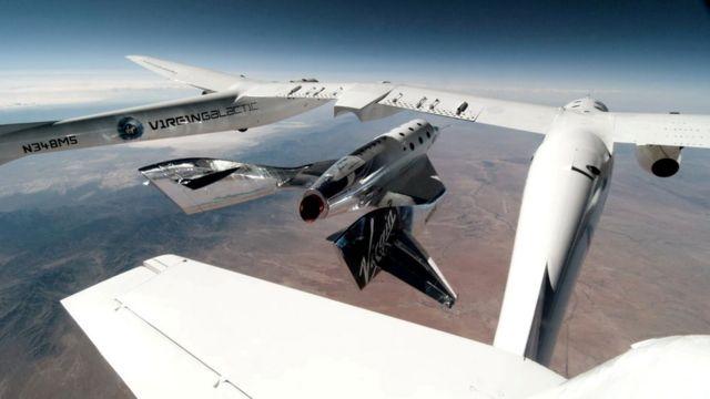 VSS Unity Mayıs 2021'deki test uçuşunda taşıyıcı uçaktan ayrılırken