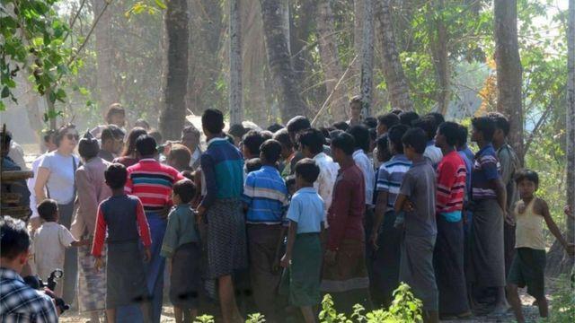 ရခိုင်ရှိ ရိုဟင်ဂျာစခန်းကို ယန်ဟီးလီရောက်စဉ်
