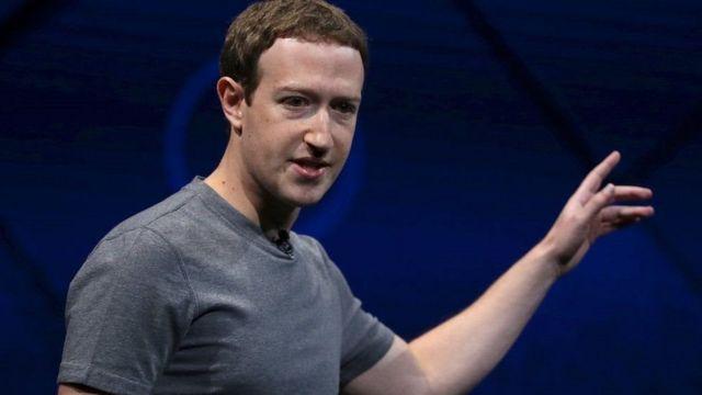 Mark Zuckerberg trả lời các câu hỏi của báo giới trong gần một tiếng đồng hồ