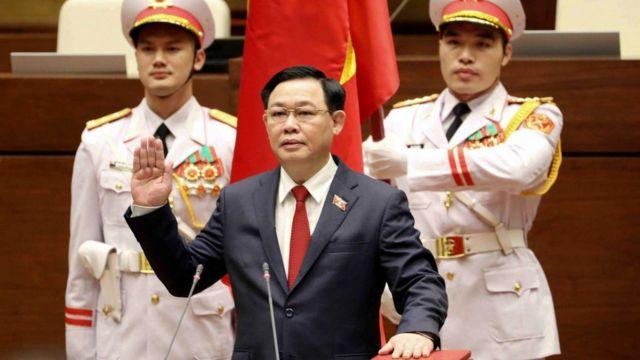VN: Ông Vương Đình Huệ làm Chủ tịch Quốc hội - người dân có bất ngờ? - BBC News Tiếng Việt