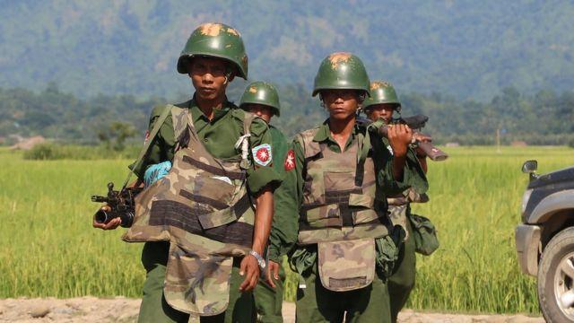 Ketegangan terus meruncing antara tentara dan warga Muslim Rohingya