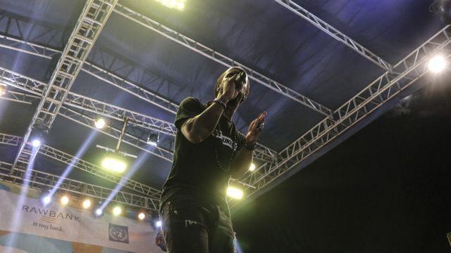 Youssoupha, le rappeur chanteur Franco-Congolais en concert à Amani festival.