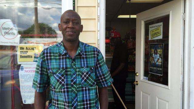 Tony Martin abrió una tienda a la vuelta de la casa de la infancia de Alí.
