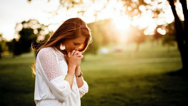 женщина молитва