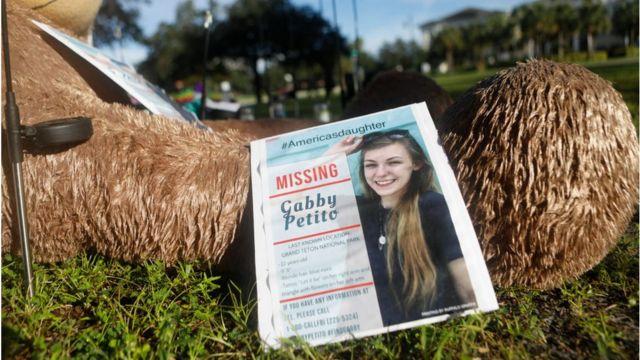Un cartel de búsqueda de Gabby Petito