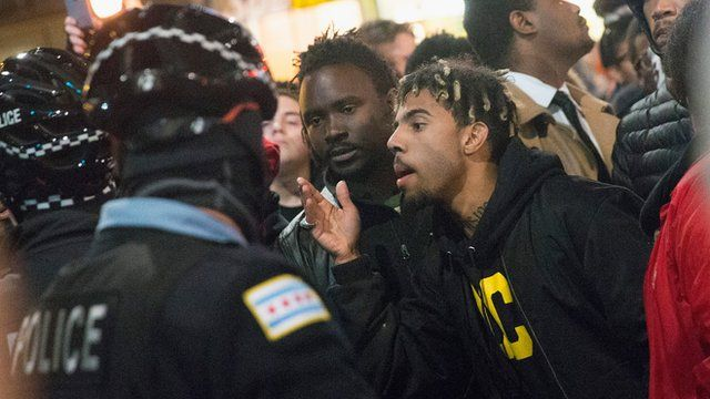 Protesters confronts police in Chicago