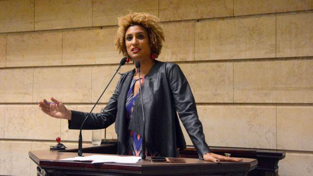 Marielle Franco discursa no parlatório na Câmara dos Vereadores do Rio em foto de 2018