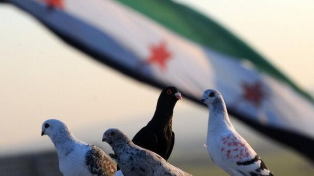 نشطاء سوريون يطلقون هاشتاغ #ثورة_شعبية_لا_حرب_طائفية ويدعون إلى الاتحاد ونبذ الطائفية