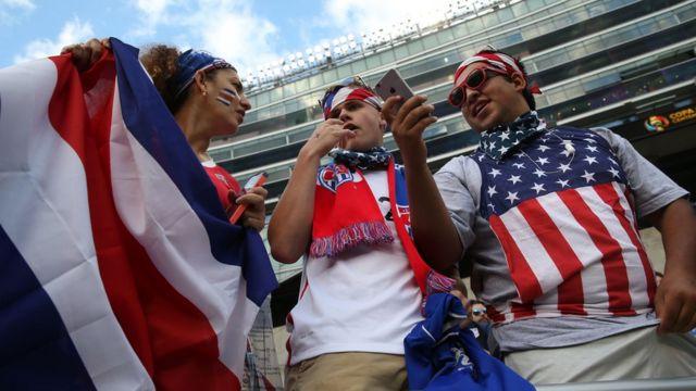 Hinchas Estados Unidos y Costa Rica