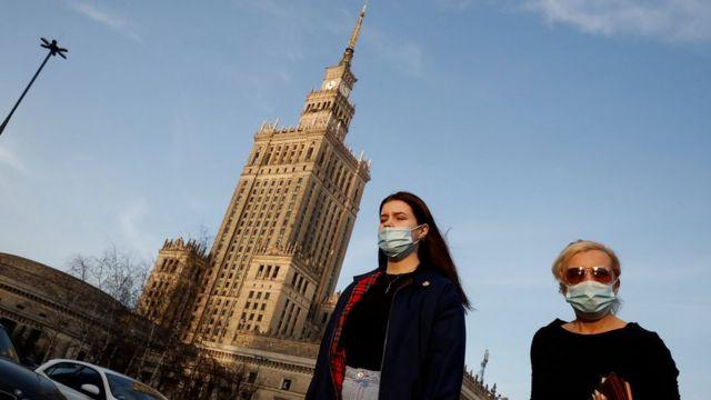 Прохожие в Варшаве