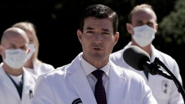 康利医生和医疗团队其他医生向媒体通报特朗普的治疗情况