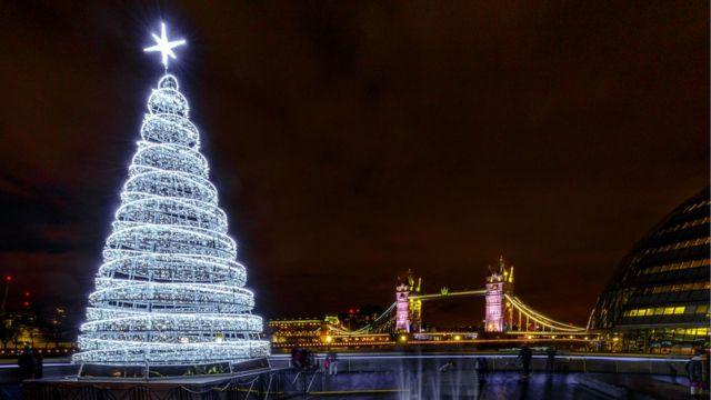 Рождественская елка в Лондоне