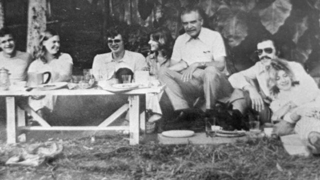 Фотографія 70-х років з Менгеле