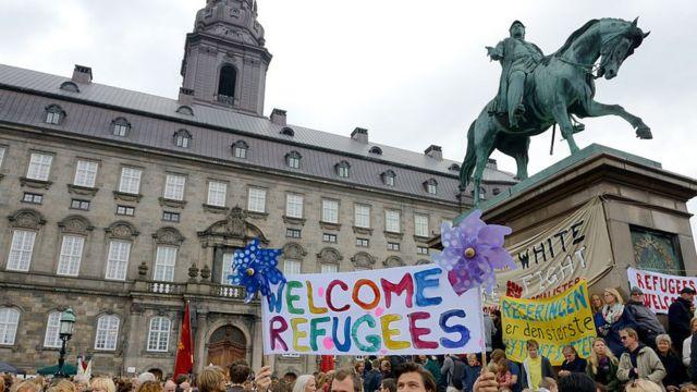 митинг в поддержку беженцев