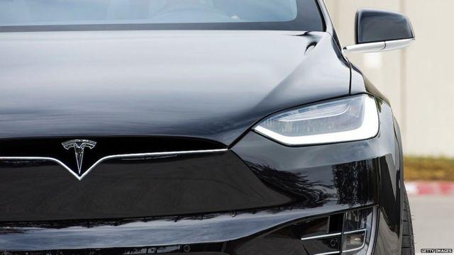 Auto Tesla modelo X