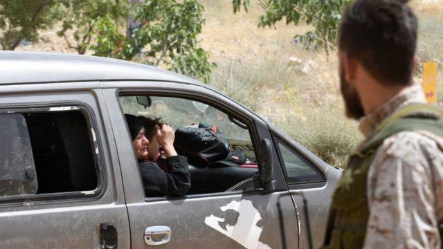 مقاتل تابع لحزب الله في منطقة عرسال