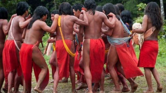 Indigenas da etnia Waiãpi